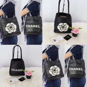 💎✨TWO SIDES✨💎 CHANEL Camelia Tote Bag